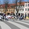 Puste krzesła i protest zdesperowanych przedsiębiorców…