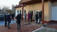 """Burmistrz Nowogardu Robert Czapla: """"Słowa danego dotrzymałem"""". Nowa świetlica wiejska w Wyszomierzu otwarta!"""