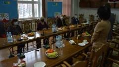 Dyrektorzy szkół z gminy Nowogard nagrodzeni za świetne wyniki ich uczniów