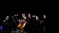 """Unikalny koncert symfoniczny w ciemności w Katowicach - """"Tam sięgaj, gdzie wzrok nie sięga"""" z Santander Bank Polska"""