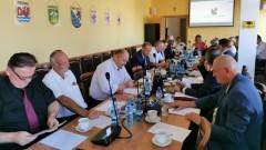 """XI Sesja Rady Powiatu Gryfickiego - czyli jak zrobić furtkę w """"wojewódzkim""""płocie"""