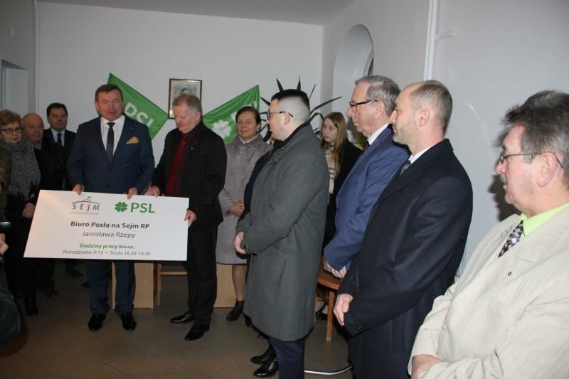 Filia biura poselskiego Jarosława Rzepu otwarta w Trzebiatowie