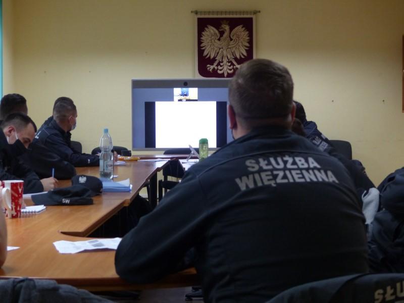 Funkcjonariusze Służby Więziennej też uczą się ….. zdalnie