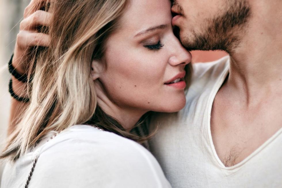 Jak całowanie wpływa na nasze zdrowie i samopoczucie?