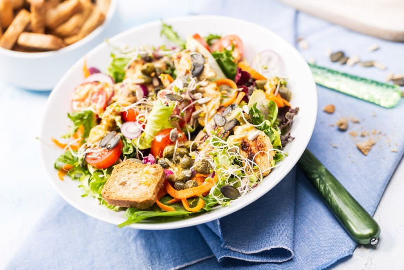 Mieszanki KRESTO – naturalny składnik wiosennych sałatek