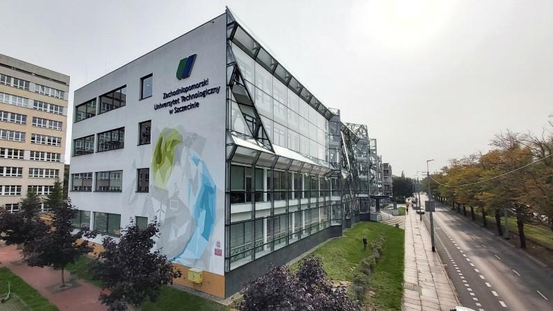 Mural szczecińskiego artysty przywitał studentów Zachodniopomorskiego…