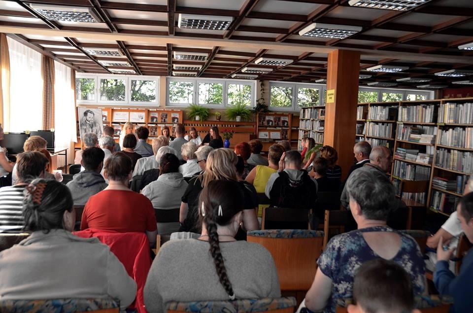 """Narodowe Czytanie """"Przedwiośnia"""" w Nowogardzie"""