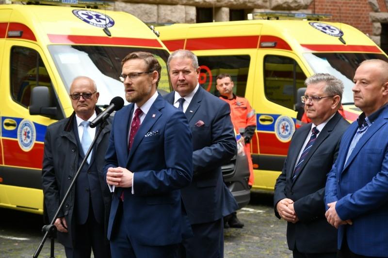 Nowe ambulanse dla WSPR