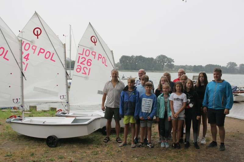 Nowe łódki dla młodych nowogardzkich żeglarzy