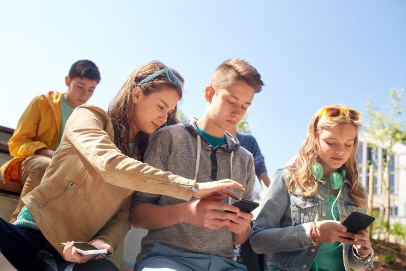 OHP z duchem czasu: infolinia i serwis internetowy dedykowane młodym ludziom