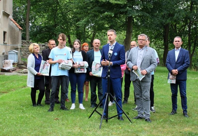 """Płoty: Mamy """"Program dla rolnictwa"""" -  Konferencja prasowa Artura Łąckiego i Arkadiusza Marchewki"""