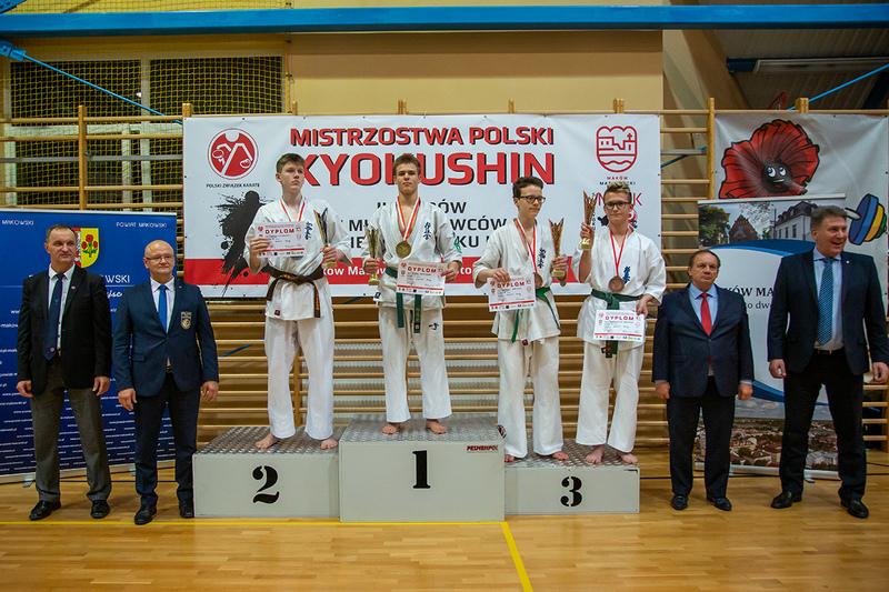 Płoty: Udany występ naszych karateków na Mistrzostwach Polski w Makowie Mazowieckim