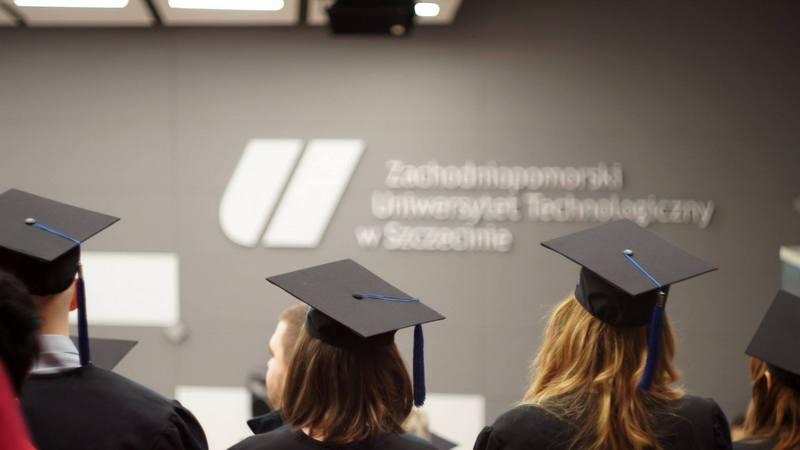 Ranking wynagrodzeń absolwentów uczelni technicznych. Zobacz, ile można…