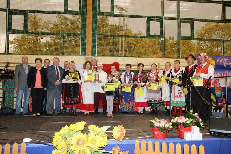 Rega Arena Płoty: Patriotycznie i na ludowo…