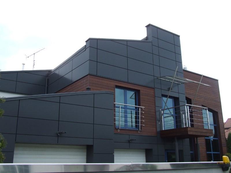 Rynny na nietypowym dachu