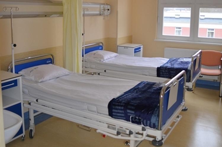 Wojewoda zachodniopomorski Tomasz Hinc wydał dziś kolejne decyzje o zwiększeniu ilości łóżek dla pacjentów z COVID-19 dla ośmiu szpitali na terenie Pomorza Zachodniego.