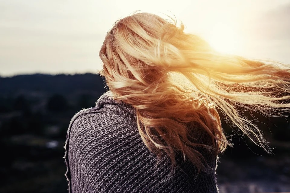 Wszystko, czego potrzebują Twoje włosy daje nam sama natura. Wybieraj odpowiednie kosmetyki