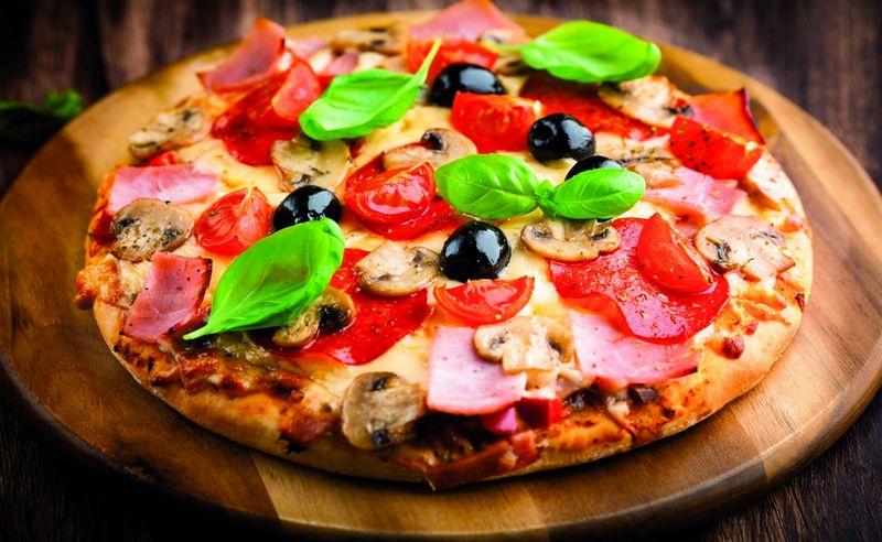 """Z miłości do pizzy! Domowa pizza na bazie mąki na pizzę od """"Domowej Piekarni"""""""