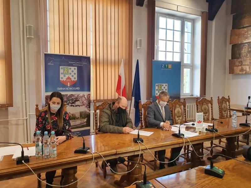 """""""Zdrowe powietrze w Nowogardzie"""" – kolejne umowy"""