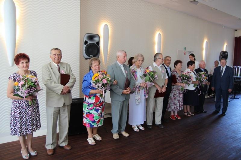 Złote Gody i medale od Prezydenta RP dla 17 par małżeńskich