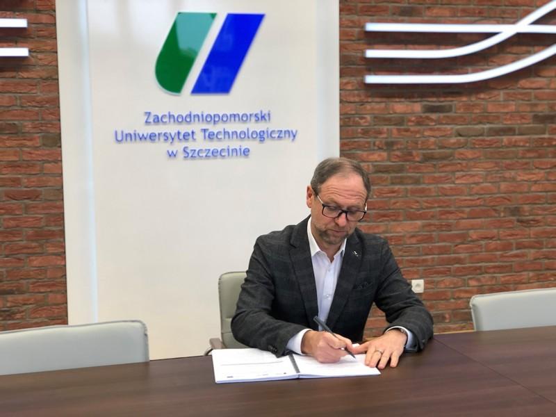ZUT wdraża informatyczny system zarządzania uczelnią