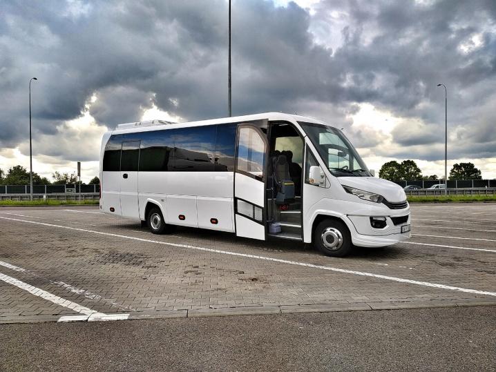 M bus Kraków - wynajem busów i autokarów