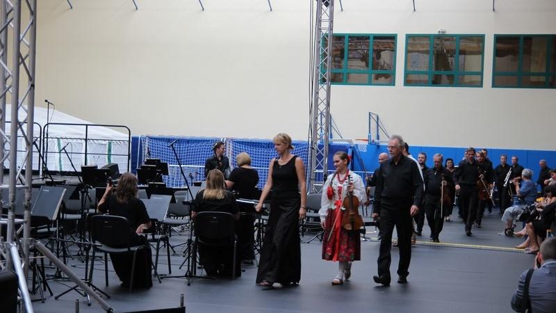 Zespół Pieśni i Tańca Śląsk w Rega Arenie